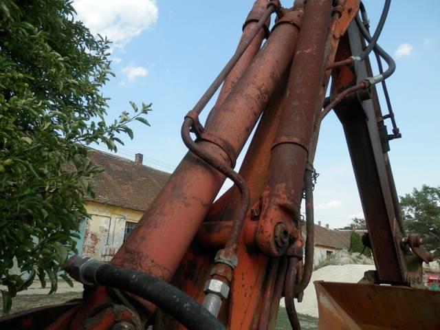 Eladó traktor alkatrész 2 db fotó