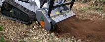 Eladó Bobcatra szerelhető hidraulikus hajtású szárzúzó zöldfelület karbantartására FAE PMM / SSL